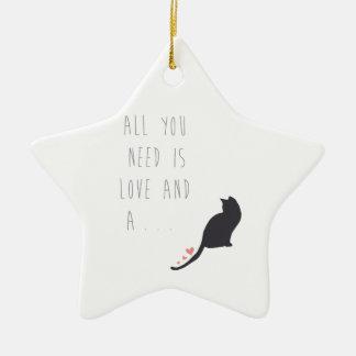 Todo lo que usted necesita es amor y un gato ornamento para arbol de navidad