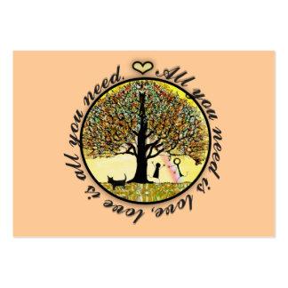 Todo lo que usted necesita es árbol de amor de la tarjetas de visita grandes
