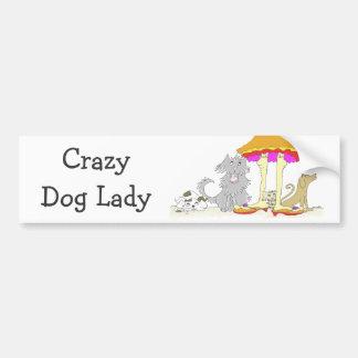 Todo procede a la señora loca del perro de la pegatina para auto