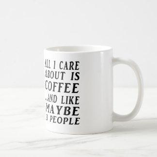 Todo sobre el café y quizá tres personas taza