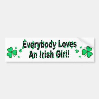 Todos ama a un chica irlandés pegatina de parachoque
