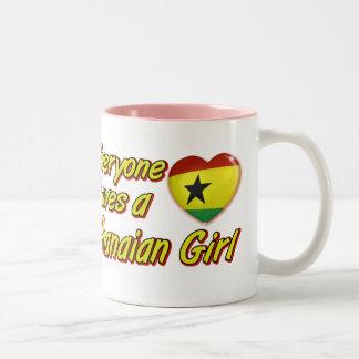 Todos aman a un chica ghanés taza de dos tonos