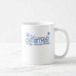 Todos lo que quiero para el aviador del navidad… taza clásica