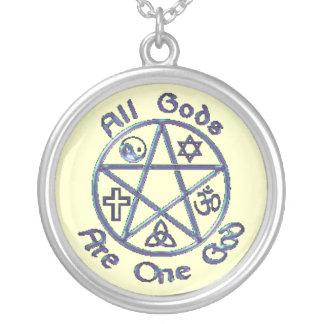 Todos los dioses son un collar de dios
