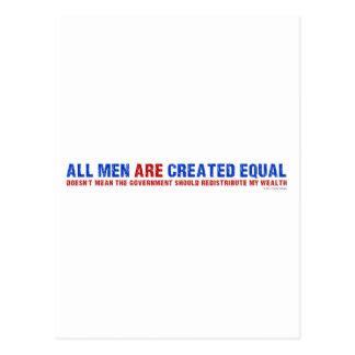 Todos los hombres son igual creado tarjeta postal