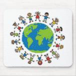 Todos los niños del mundo 2 alfombrilla de ratones