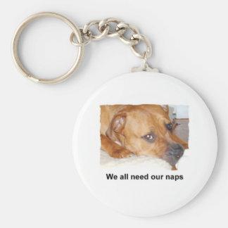 todos necesitamos nuestras siestas llavero redondo tipo pin