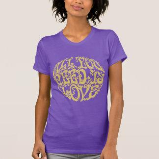 Todos necesitan el amor III Camisetas