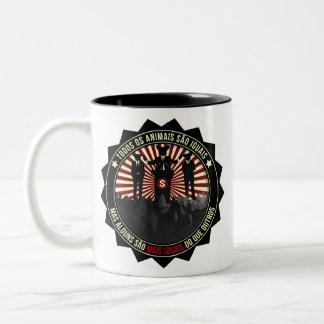 Todos os Animais são iguais Two-Tone Coffee Mug