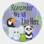 Todos vivimos aquí los animales del mundo pegatina redonda