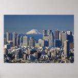 Tokio, horizonte del distrito de Shinjuku, el mont Poster