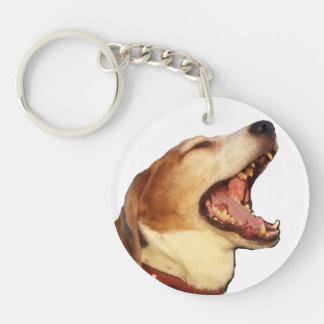 Tom Tom el beagle soñoliento de bostezo Llavero Redondo Acrílico A Una Cara