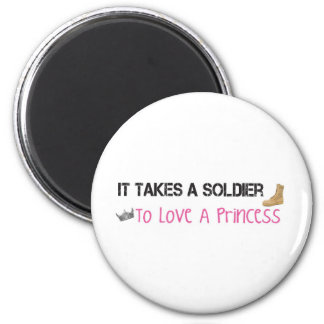 Toma a un soldado para amar a una princesa imán redondo 5 cm