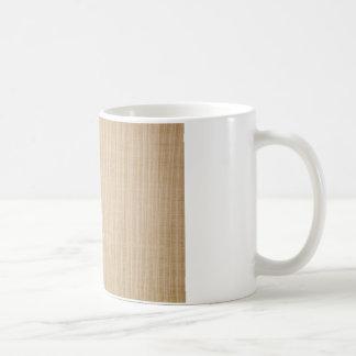 Toma de corriente en la esquina de una pared taza de café