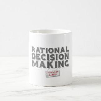Toma de decisión racional - cerrada para el taza
