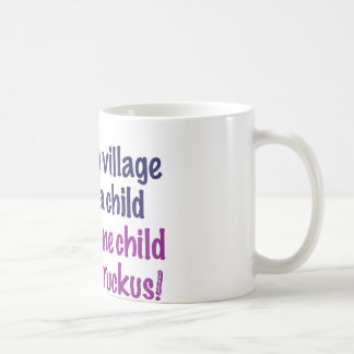 Toma un pueblo… taza básica blanca