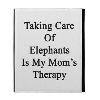 Tomar el cuidado de elefantes es la terapia de mi