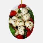 Tomate de cereza y ensalada de la mozzarella ornamento de navidad