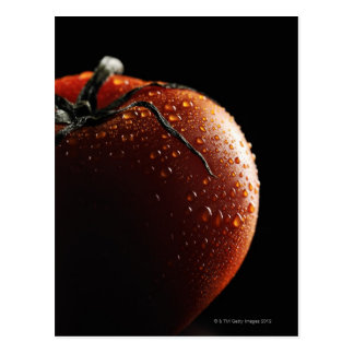 Tomate, verdura, fondo negro postal