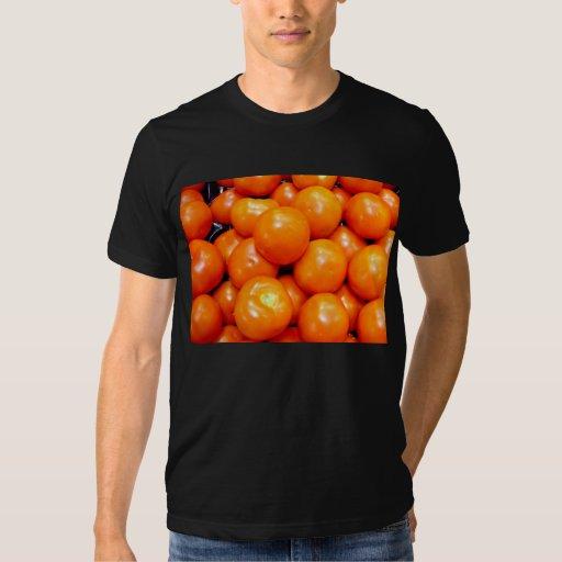 Tomates maduros regordetes remeras