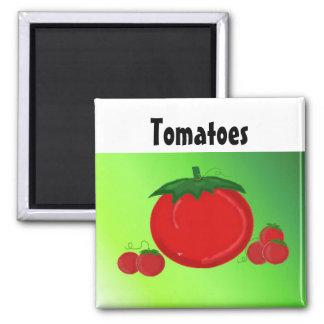 Tomates rojos jugosos imán cuadrado