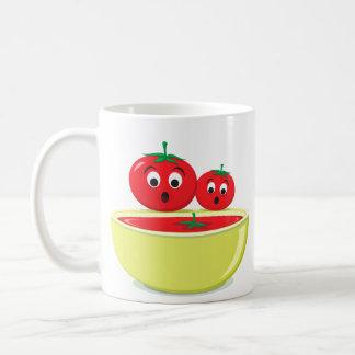 Tomates y taza linda del dibujo animado de la sopa