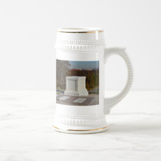 Tomb of the Unknown Soldier, Arlington Yellow Wrea 18 Oz Beer Stein