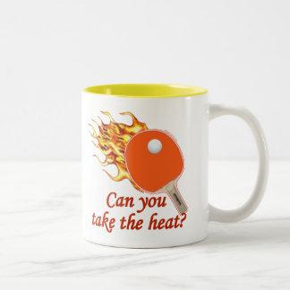 Tome a calor el ping-pong llameante taza de café de dos colores