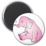 Tome a cuidado el elefante rosado imán