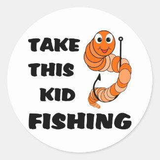 Tome esta pesca del niño pegatina redonda