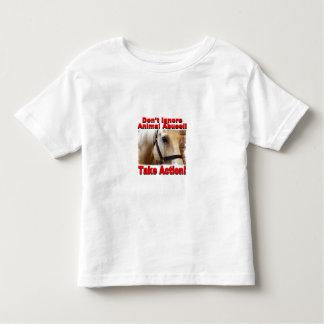 Tome la camiseta del niño de la acción playera de niño