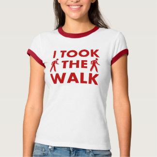 Tomé la camiseta del paseo polera