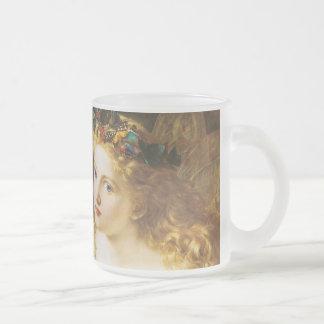 Tome la cara justa de la mujer taza de café