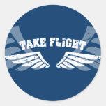 Tome las alas de la aviación del vuelo pegatinas redondas