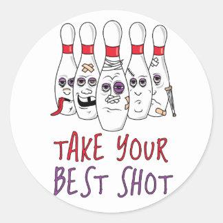 Tome su mejor tiro pegatina redonda