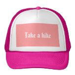 tome un gorra del alza