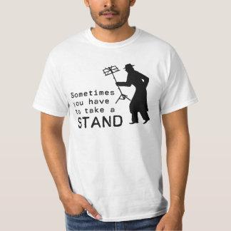 Tome un soporte camisas