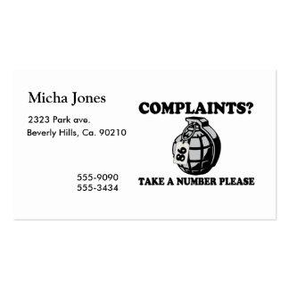 Tome una granada de mano del número tarjeta personal