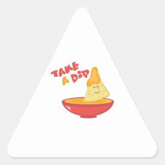 Tome una inmersión pegatina triangular