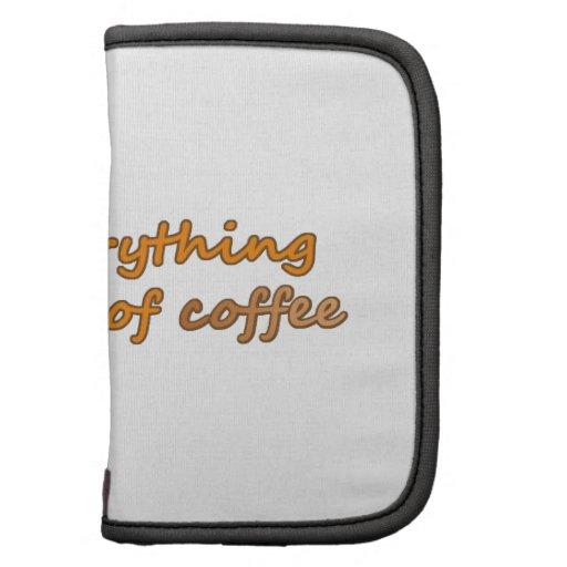 Tomo todo con un pedazo del café (© Mira) Organizador