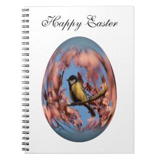 tomtit del huevo de Pascua en árbol floreciente Libros De Apuntes Con Espiral