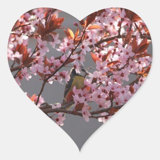 tomtit que se sienta en árbol de ciruelo calcomanías corazones personalizadas