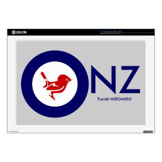 "Tomtit roundel | New Zealand Bird 17"" Laptop Skin"