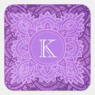 Tonalidades del monograma púrpura del vintage que calcomanía cuadradas personalizada