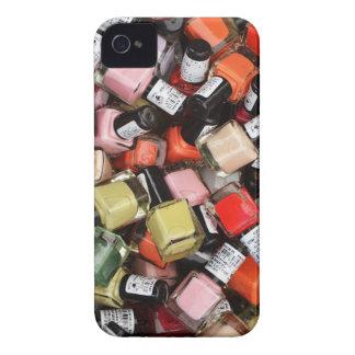 Toneladas de botellas del esmalte de uñas iPhone 4 Case-Mate cobertura