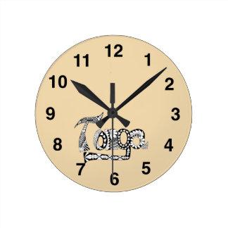 Tonga Round Clock