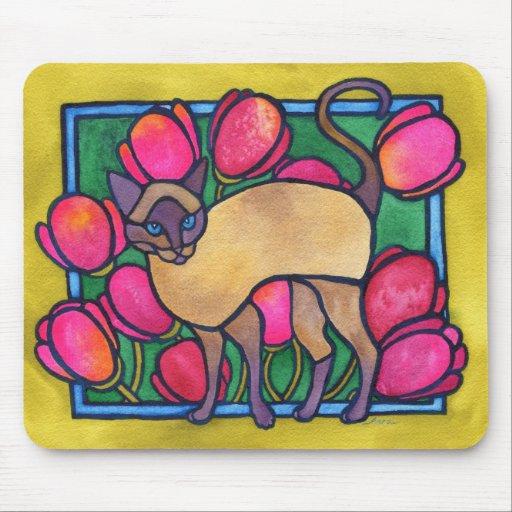 Tonkinese y tulipanes alfombrilla de raton