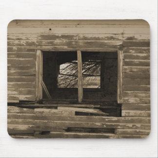 Tono explotado edificio de madera viejo de la sepi alfombrillas de raton