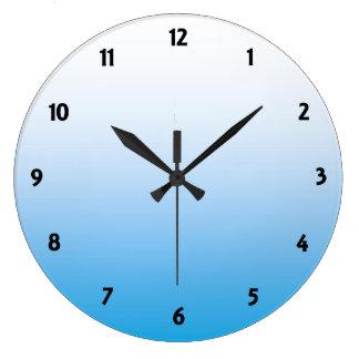 Tono pálido de Bluie dos Reloj De Pared