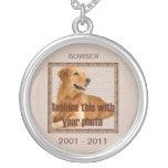 Tonos conmemorativos de Brown del perro Pendientes